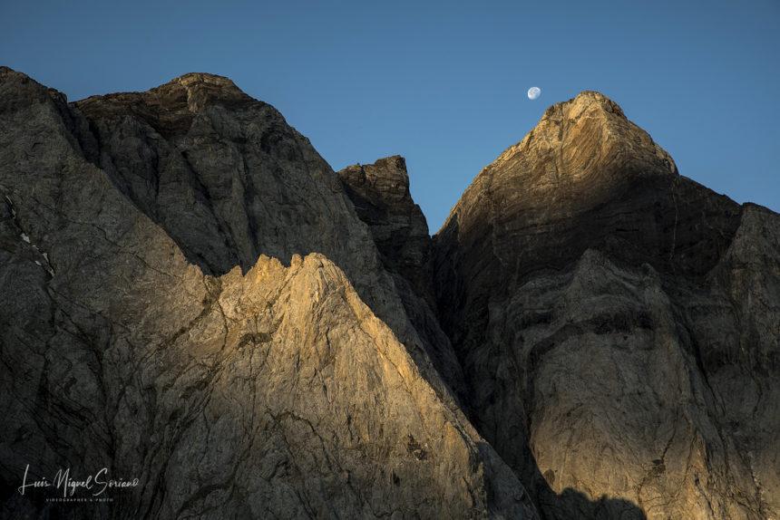 PIRINEOS. Montañas de luz